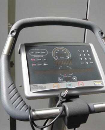 vélo droit Technogym Excite 700