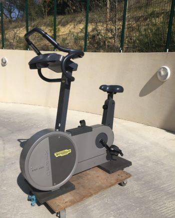 vélo droit Technogym XT Pro 600