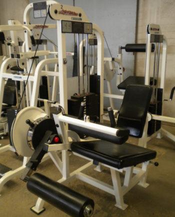 leg curl Life fitness Pro1