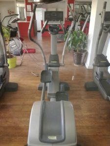 elliptique excite technogym