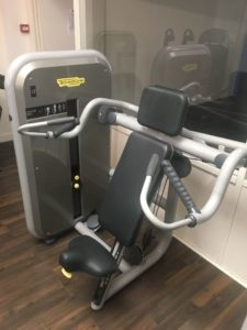 Shoulder press technogym element